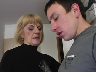 Young guy agrees respecting please Meriska B by drilling her pussy