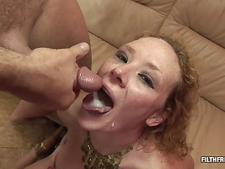 Kinky slut uses a toy to the fore two guys double penetrate her