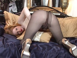 MILF blond's twat under pantyhose - mothers I´d like to fuck
