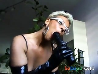 German mature milf showing hot beside swell up a dick