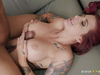 Inked bombshell redhead Tana Participants getting cum aloft complexion in hammer away office