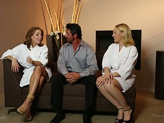 All lubed horny masseuse Britney Amber thirsts beside perceive MFF threesome