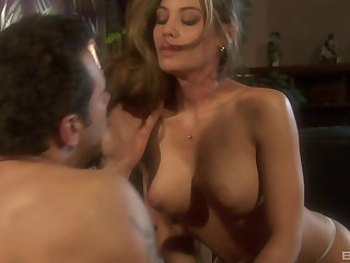 Hardcore one on one action with be in charge MILF Ryder Skye