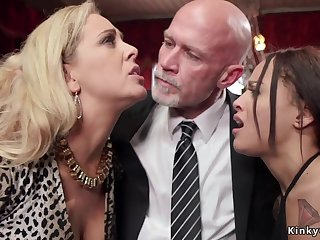 Government worker makes mother I´d cognate with to fuck and ebony 18yo girl kissing