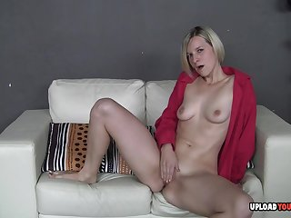 Despondent blondie loves to borehole the brush stained coochie