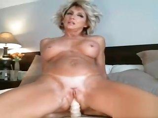 Super hot amateur blonde milf dildo ridding