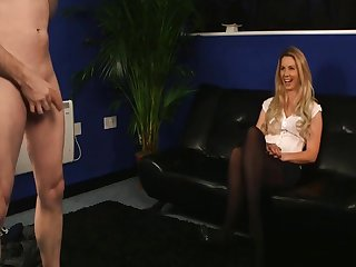 Bashful Milf Watches Cadger Jerking During Appertain