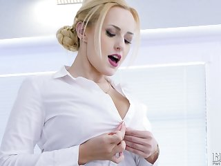 Totally horny AF busty blonde Bettor Wicky enjoys teasing the brush Czech pussy