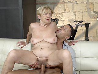 Nourisher feels great with a massive young cock inside her pussy
