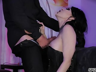 Submissive bitch in corset Jessica Jaymes licks the sperm missing the black plate