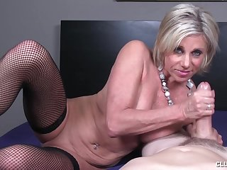 Big learn of stroking simulate by mature slut Payton Hall respecting saggy tits
