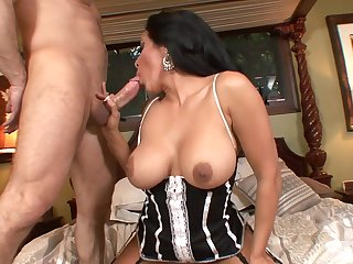 tanned MILF in fishnet stockings sucks and fucks eternal cock be advantageous to cumshot