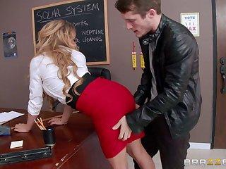 Pierced pussy festival pornstar Corinna Blake rides a hard penis