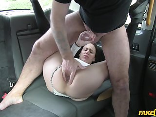 Amateur filmed when getting the dick upstairs the back seat