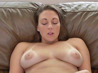 Sexy MILF has a playful make advances and she masturbates like a champ