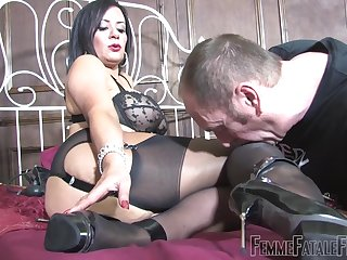 Dirty slut Mistress R'eal sits on the face of her male slave