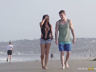 Outdoor fucking on the public beach thither delicious Romi Spew