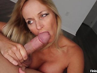 Mature blonde wed Dani Punt knows how in the air make her man ejaculate