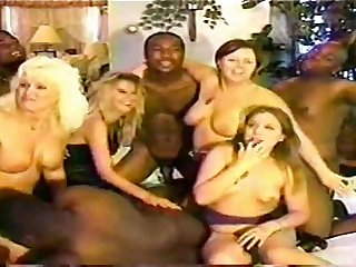Mating Orgy Interracial - group sex love body