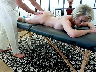 Busty mature pornstar Dee Williams gets a massage and enjoys having mating