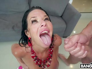 Veronica Avluv Shows What She Can Do - Double Penetration Instalment