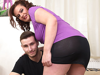 Curvy Housewife Fucking With Will not hear of Gewgaw Boy - MatureNL