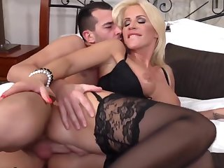 She's Wants Her Stepson's Cum Ergo Bad