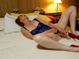 This woman wants me down lick her pussy mesh a hot pussy toying prizefight