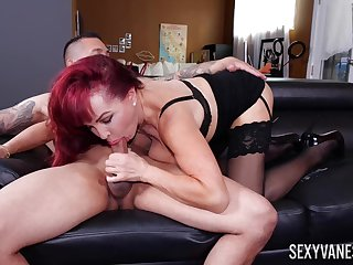 Adult respect Sexy Vanessa works out a deal with her trainer