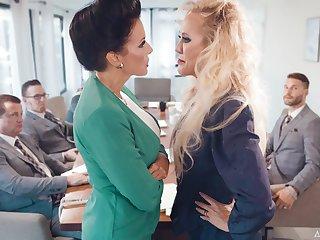 Premium matures get intimate at near board meeting