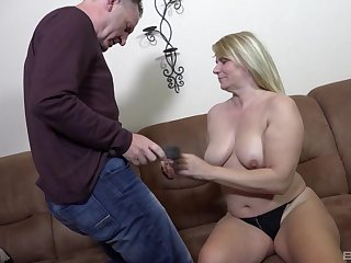 Amateur video of fucking on the sofa with regard to a chubby mature wed