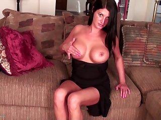 Hot 44yo Mam Melissa With Hot Body