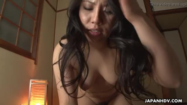Matured black-haired Chinese gets the brush furry honeypot crammed up